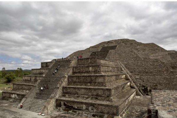 Des reliques vieilles de 2000 ans découvertes sous la pyramide du Serpent à plumes