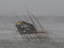 Philippines: Un super typhon hante un pays encore sous le choc