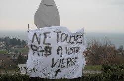PUBLIER (Haute Savoie): La vierge a gagné une banderole