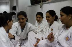 INDE: Les Charlie's Angels de Delhi, des policières pour décourager les agresseurs sexuels
