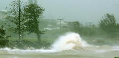 Australie: Le nord-est du pays balayé par un puissant cyclone