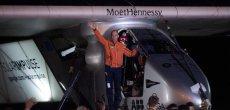 Solar Impulse 2 boucle sa cinquième étape