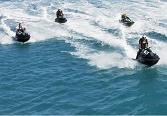 Jet-skis mis à l'eau malgré l'avis de tempête juridique