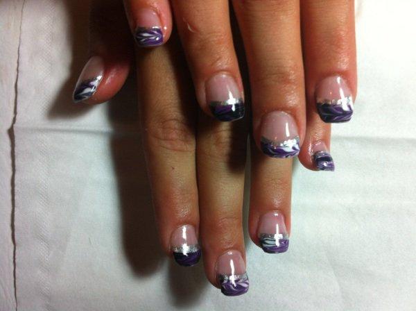 Les mains de justine 3 semaines apres, avec couleur et deco liner gris!!