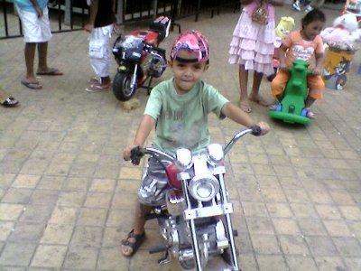 la moto a mon peti frère