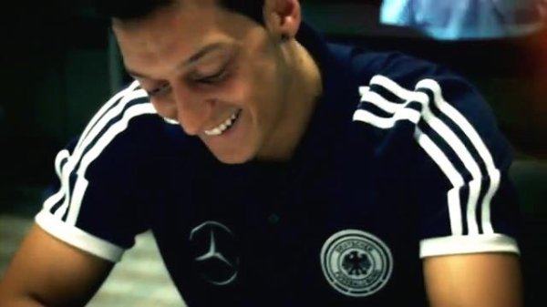19. Mesut Özil Requested by Ozilette/ Ecrit par Lina