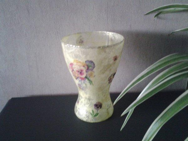 vase jaune motif pensees  dispo