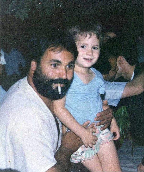 شكرا لكونك أبا رائع حنون سمح لي بلحظات جنون منها تعلمت من أنا وكيف أكون