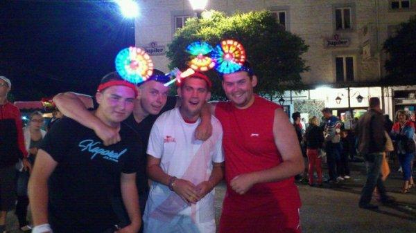 Marché de nuit a Nismes entre potes !! :p