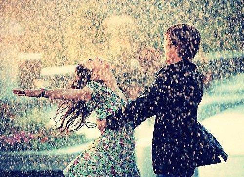Tous ces moments se perdront dans l'oubli, comme des larmes dans la pluie..