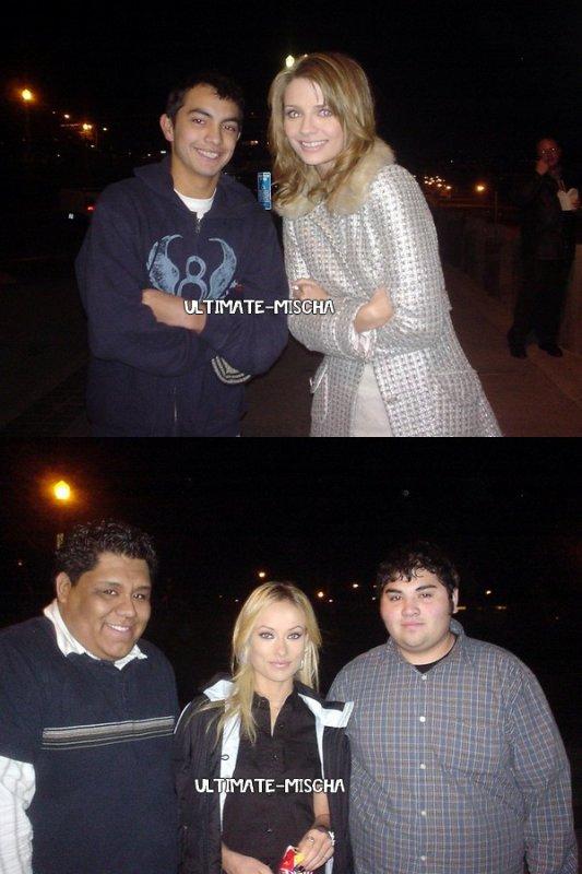 Voici des nouvelles photos rares de Mischa et Olivia lors du tournage de la saison 2 de The OC avec des fans..
