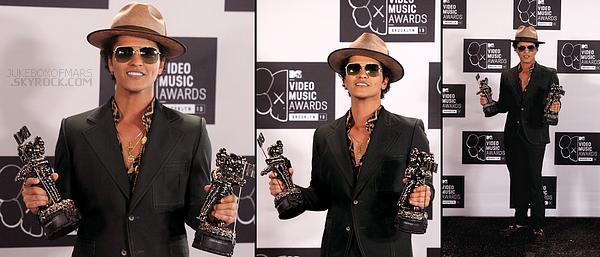 25/08/13 - Bruno Mars au MTV VM Awards