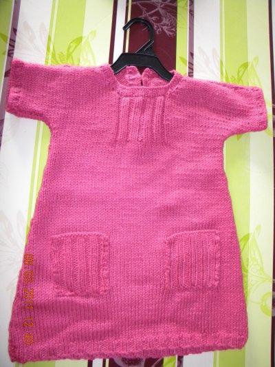 Une robe tricotée pour l'anniversaire de Léa