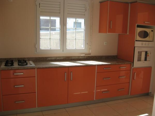Emejing Meuble Cuisine Orange Ideas - Awesome Interior Home ...