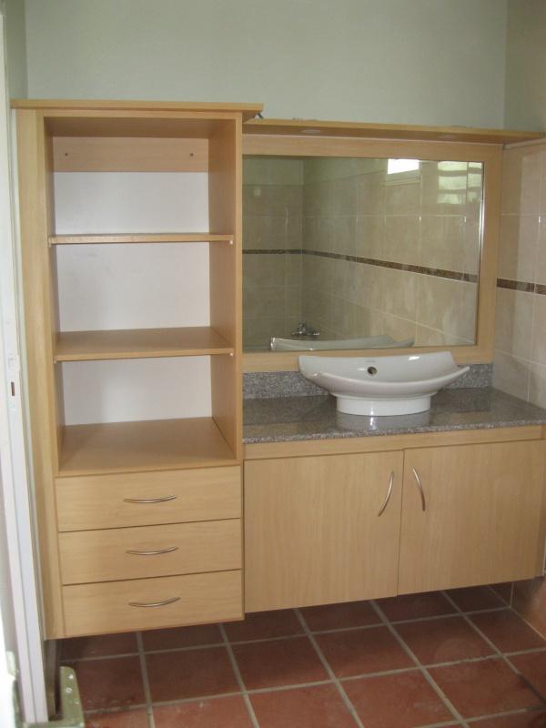 agencement de meuble salle de bain blog de imagecuisine971. Black Bedroom Furniture Sets. Home Design Ideas