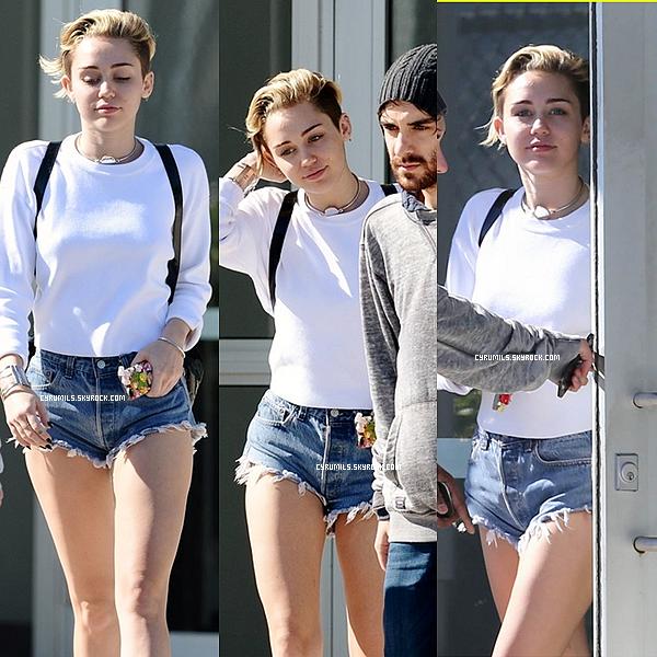 17.12.13 De nouvelles photos perso de Miley sont sortie