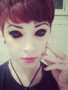 Eyeball tattoo ? C'est quoi ?!