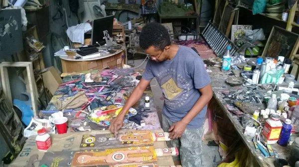 6 mai 2016 - Comores   //   no comment N°: 76Seda : Je peins, donc je suis !
