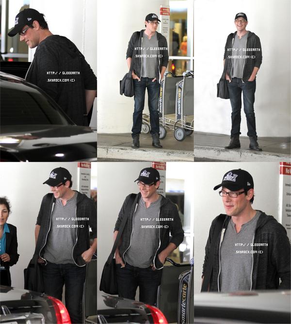 Cory a été apperçus à l'aéroport LAX de Los Angelesaprès le tournage de cette semaine à New York, les acteurs sont de retour à Los Angeles pour faire les scènes des Nationales qui seront tournées en studio .