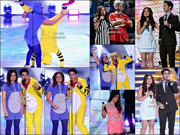 . __●TEEN CHOICE AWARDS 2013 ●__ Lucy présentatrice de la cérémonie! Comme vous le savez, la cérémonie des Teen Choice Awards 2013 s'est déroulée hier (11 août) aux Etats-Unis. Et c'est un sans faute pour toute l'équipe de Pretty Little Liars ! En effet, les acteurs et la série elle-même ont gagné un award dans toutes les catégories dans lesquelles ils étaient nominés  ● -Top ou Flop pour la tenue de Lucy? .