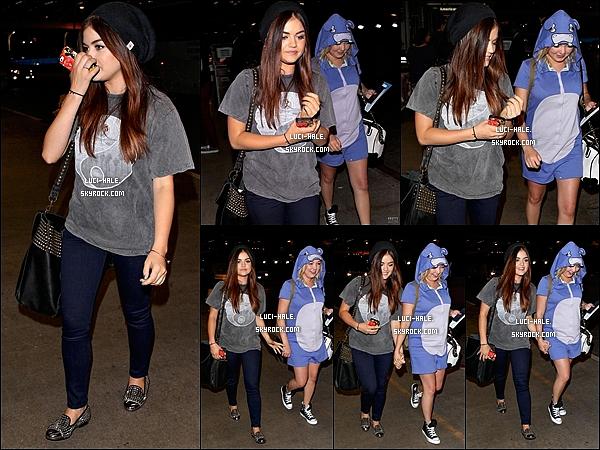 .  11/08/2013: Lucy s'est rendue à l'aéroport LAX à L.A après les TCA's pour se rendre à New York. Nous la retrouvons donc le lendemain à N.Y pour le Mark's 10th Birthday Celebration et le Live Chat organisé par la marque .