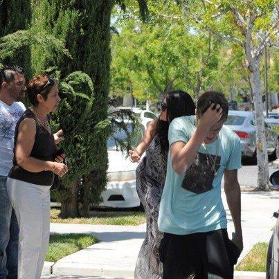 Justin n'en peu plu d'étre espionné . Il vx etre tranquille et avoir un peu d'intimiter avec sa copine Selena Gomez  ♥♥♥♥