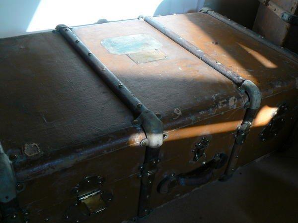 """La valise (extrait du recueil """"Je suis venue vous dire..."""")"""