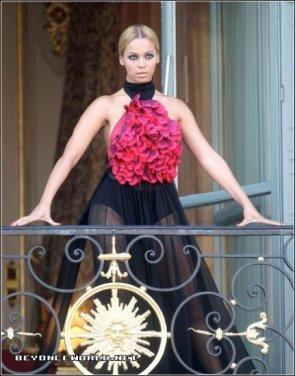 Photoshoot pour Harper's Bazaar à Paris