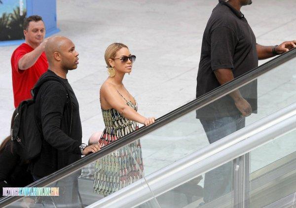14 Juin : Beyoncé à l'aéroport de Nice