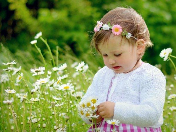 Copiii trebuie să se sature de afecţiune în sânul familiei