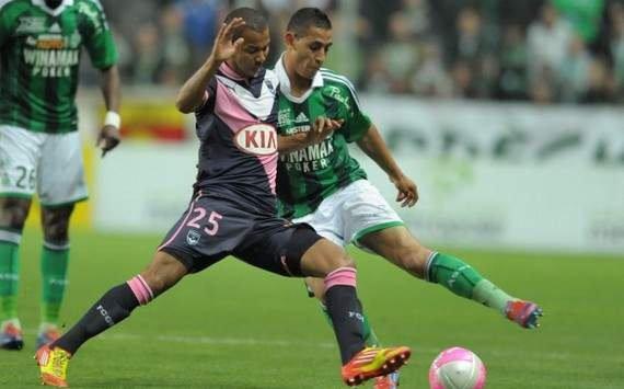 Ligue 1 - Bordeaux en Ligue Europa Grâce à sa victoire sur Saint-Etienne (2-3) lors de la 38ème journée de la Ligue 1, Bordeaux disputera la Ligue Europa la saison prochaine.