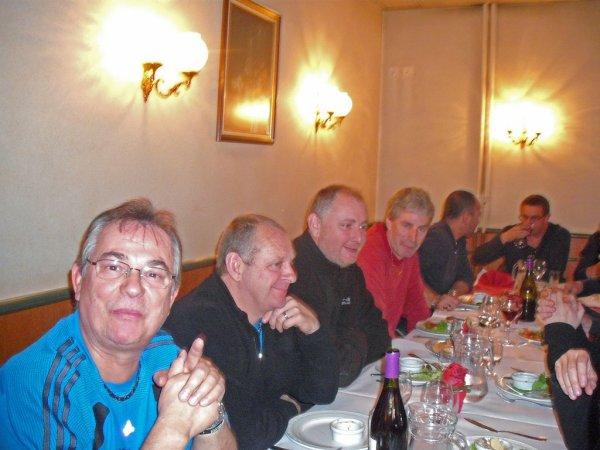 TARARE GP 20.21. NOVEMBRE 2010 - DIMANCHE MIDI AVEC LES DEMI FINALISTES