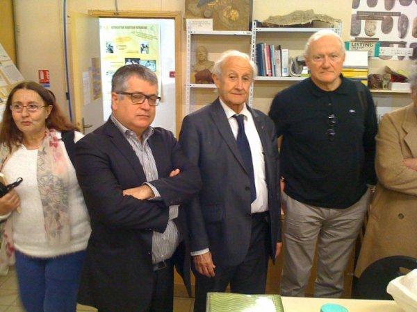 FRANCESCO BANDARIN, DIRECTEUR DU CENTRE DU PATRIMOINE MONDIAL DE L'UNISCO EN VISITE AU MUSEE DE TAUTAVEL