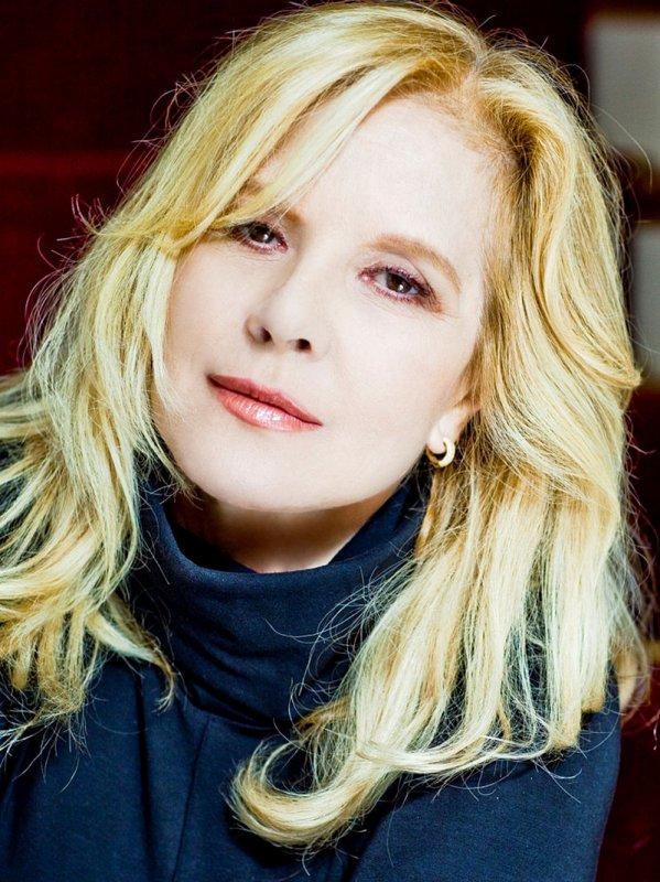 [CENTRE MEDITERRANEE DE LITTERATURE ] : Sylvie VARTAN dédicace son livre «Maman» le 9 décembre à Perpignan