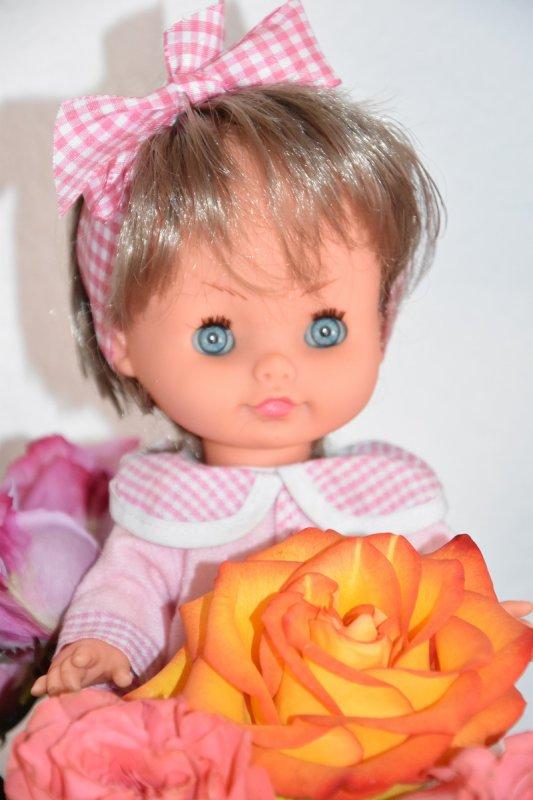 Il paraît qu'une fille ça nait dans les roses !!!