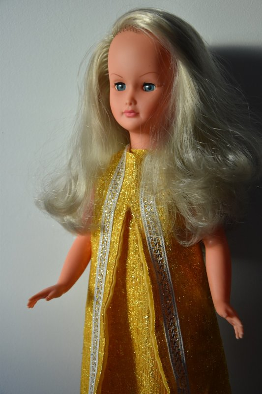 Une très jolie Dolly