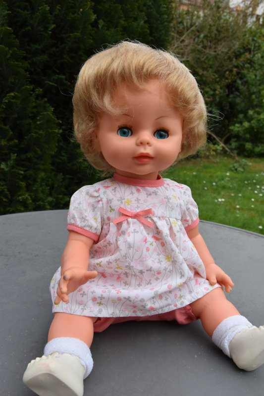 Avec de tels yeux c'est une poupée Bella ;-)