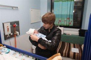 Justin Bieber traité d'enfant gâté en Angleterre !