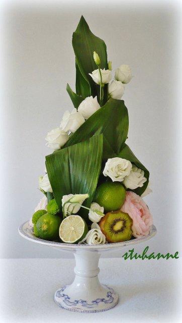 pyramide fleurs et fruits