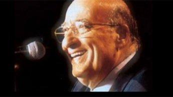 Le chanteur libanais Wadih el-Safi est mort vendredi à l'âge de 92 ans. Célèbre dans tout le monde arabe il est connu pour ses thèmes populaires et pour avoir mis en musique des poèmes libanais et arabes.