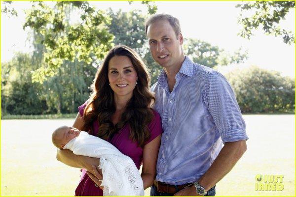 Première photo officielle de Baby George & Catherine & William