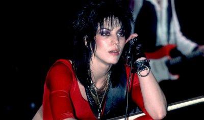 ♥♥♥ Joan ♥ Jett ♥ and ♥ the ♥ Blackhearts ♥ I ♥ Love ♥ Rock  ♥ and ♥ Roll ♥♥♥
