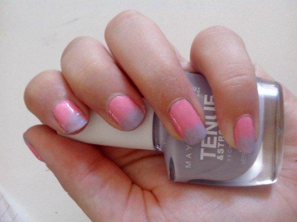 Nail-art dégradé rose et violet