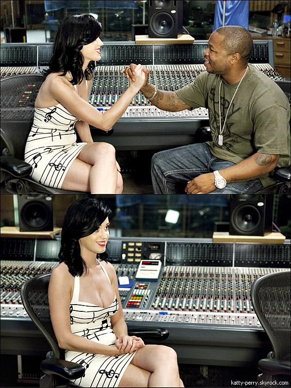 19 sept. 2010: Katy était présente aux Abc's Extreme Makeover, 8x166 qui sera diffusé le 26 septembre !