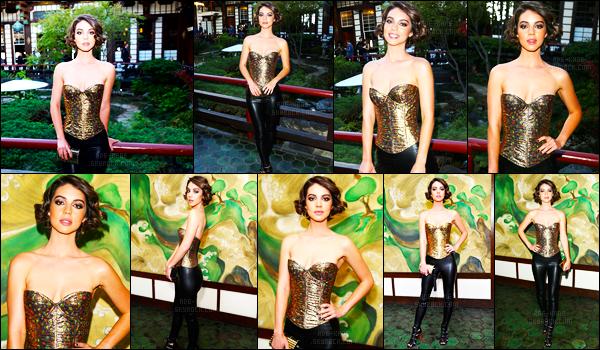. 22/05/17- Adelaide Kane était présente au défilé deWolk Morais, à Los Angeles! Un gros TOP ! .