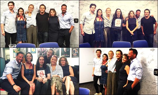 . 16/06/17- Adelaide et une partie du cast, se sont réunis pour regarder le final de la série Reign! .