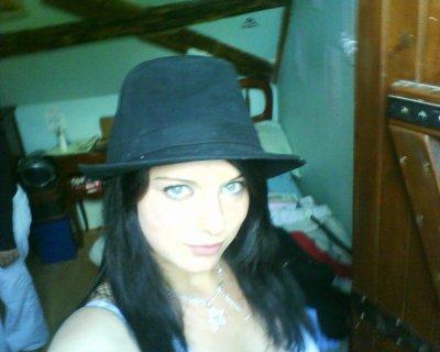 Moi avec un chapeau ^^