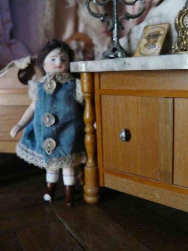poupée mignonnette robe en soie
