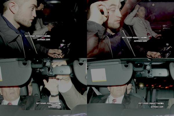 11 Janvier 2012 : Robert aux People's Choice Awards    Il a recu le prix du meilleur film dramatique Water For Elephants. Rob s'est complètement rasé cette fois ;)