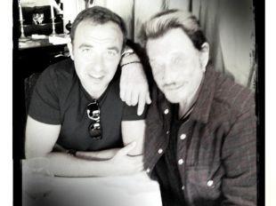 Johnny Hallyday et Nikos Aliagas : Pause déjeuner parisienne pour les 2 amis !